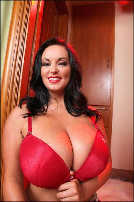 фото огромные груди