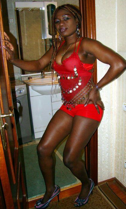 snyat-prostitutku-negrityanku-v-lyubertsah-porno-aktrisi-lesbi-massazh-oralniy-foto