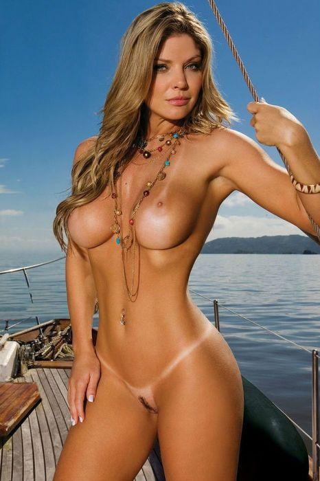 фото крутые голые девушки