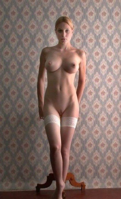 Фото голые дамы стоя