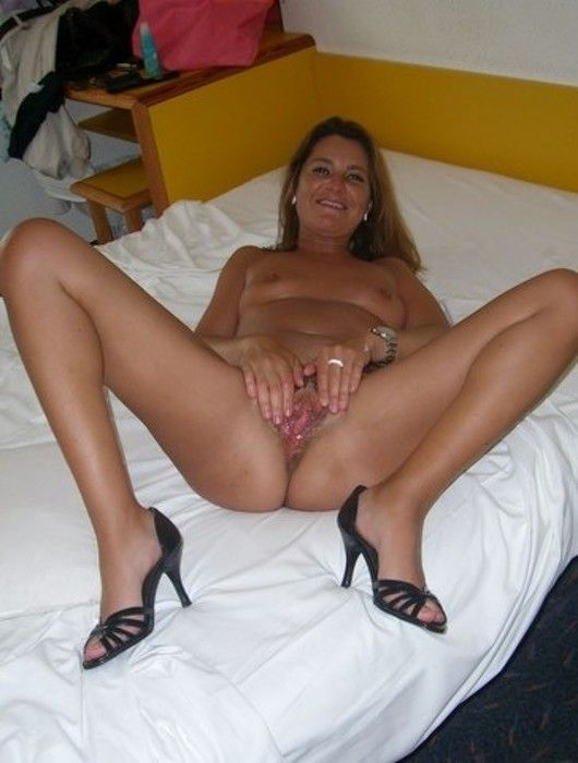 Hot naked milf pussy