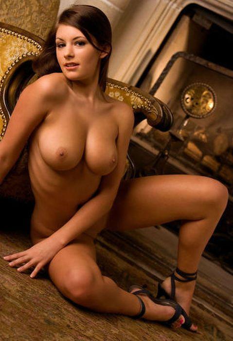 Скачать бесплатно фото мисс голые сиськи